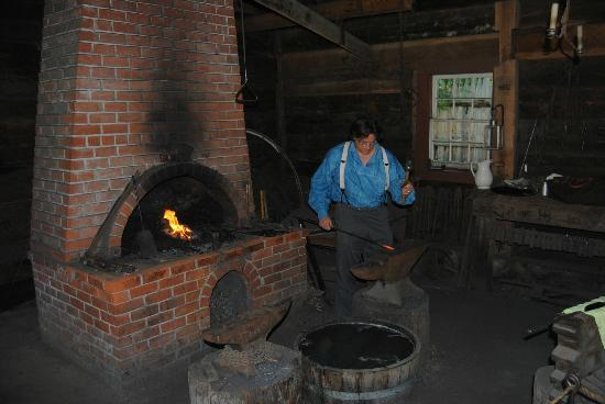 Fort Nisqually Living History Museum: blacksmith hard at work