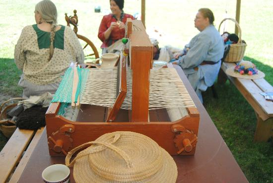 Fort Nisqually Living History Museum: weaving loom