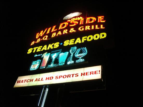 Wildside: Look for this sign if you want great service and food!!