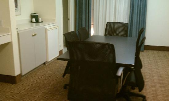 La Quinta Inn Chicago Oakbrook Terrace: Conference Room (apart of the suite)