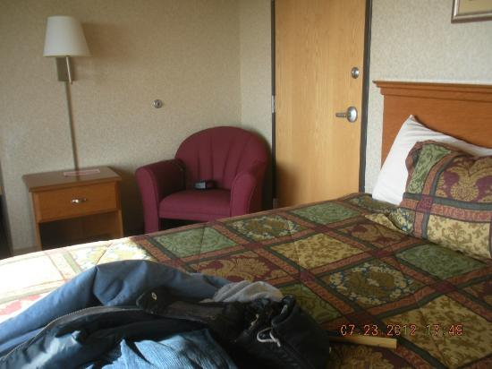 Quinault Sweet Grass Hotel: bed area