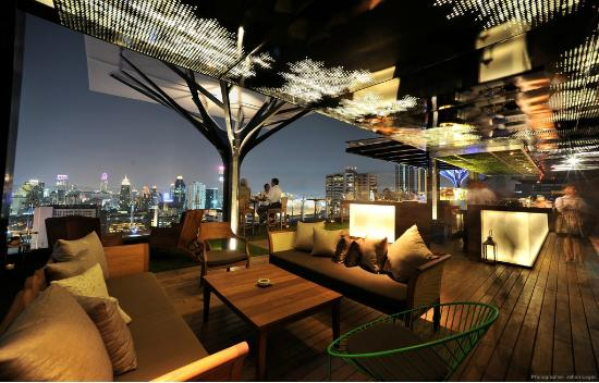 Above Eleven rooftop bar & restaurant (33rd floor of Fraser Suites Sukhumvit)