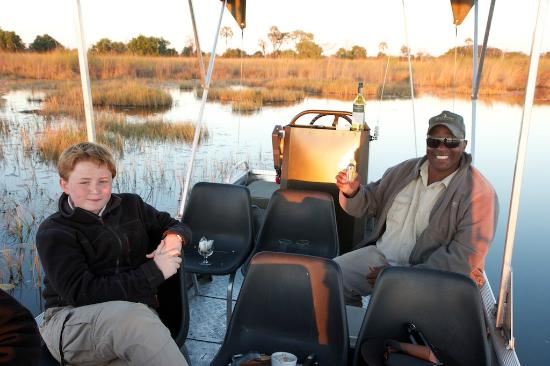 Shinde: Sundowner on boat
