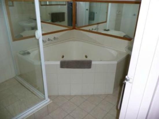 Keilor Motor Inn: Bathroom
