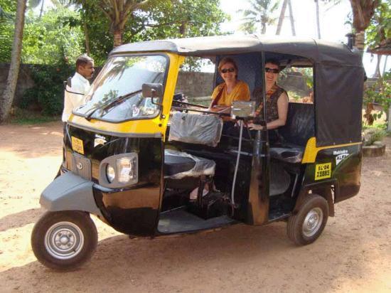 Sreekrishna Ayurveda Centre: village visit by tuk-tuk