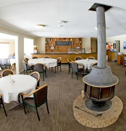 Matterhorn Lodge: Dining Room