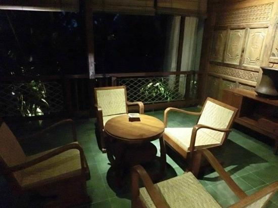 Adarapura Resort & Spa: Room front - night