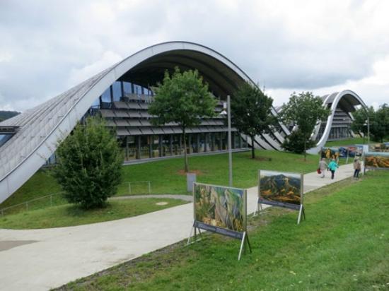 Zentrum Paul Klee (Paul Klee Center): パウル・クレー・センターの外観