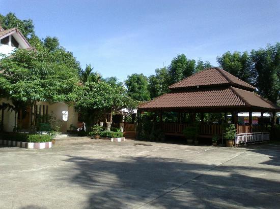 Baan Lanna Hotel