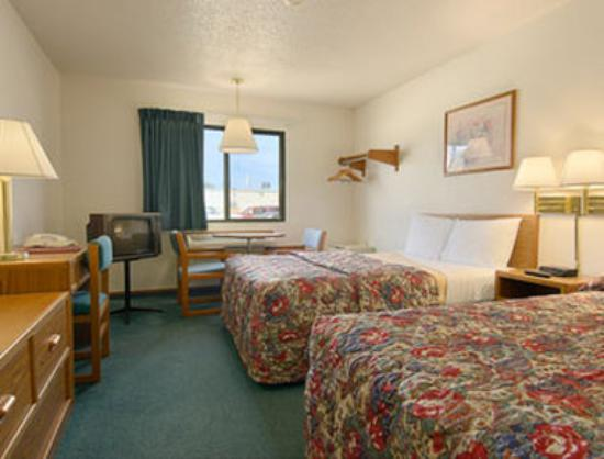 Super 8 Wayne : Standard Two Double Bed Room