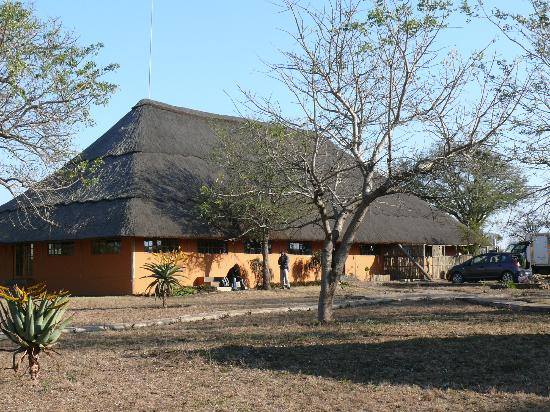 Lituba Lodge: restaurant, bar, salle de billard