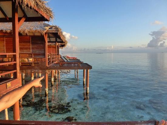 Filitheyo Island Resort: PILOTIS