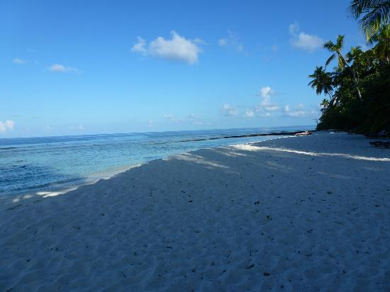 Filitheyo Island Resort: PLAGE