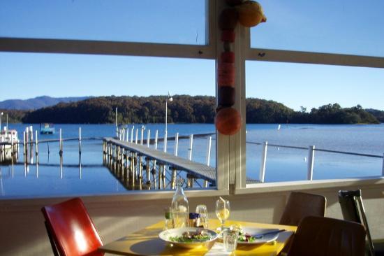 Whale Motor Inn: Sensational Fish & Chip joint -QUARTERDECK??
