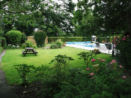 Le Friquet Country Hotel: The heated Pool
