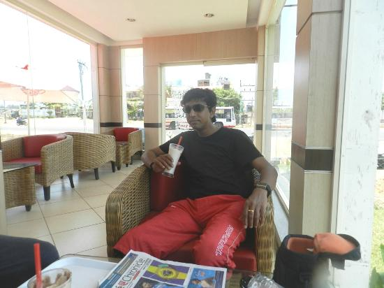 Cafe Coffee Day: CCD@ECR Road