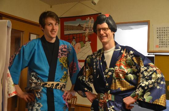 Ryokan Shimizu: costume fitting