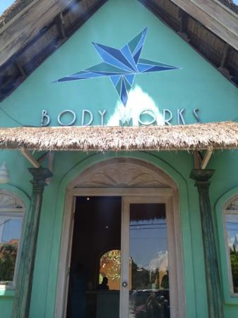 Bodyworks : entrance