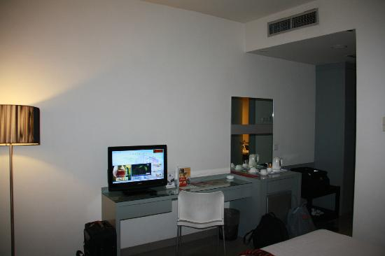 Aston Cengkareng City Hotel & CC: Inside my room