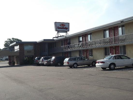 Econo Lodge - Mystic: clean and crisp looking