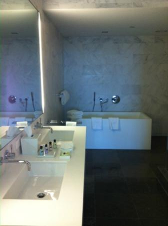 Boulan South Beach: Bathroom