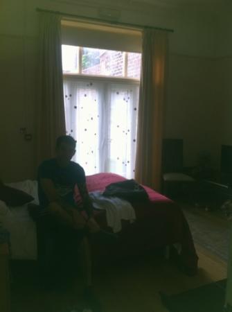 Ullet Suites: room