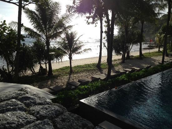 Trisara Phuket: pool and beach