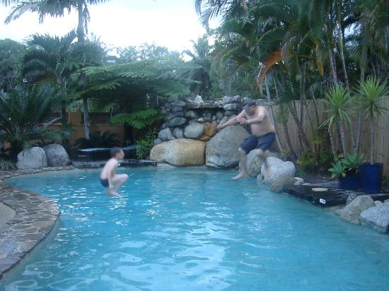 "Lazy Lizard Motor Inn : My son and I ""using"" the pool!"