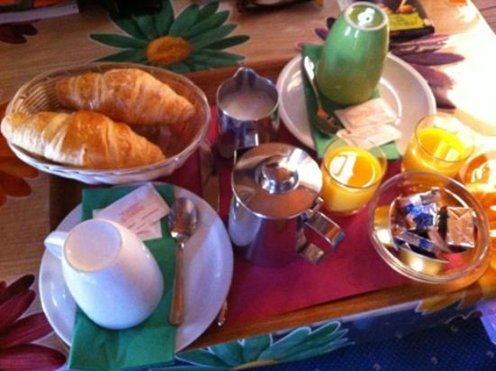 Hotel Central: In-room breakfast