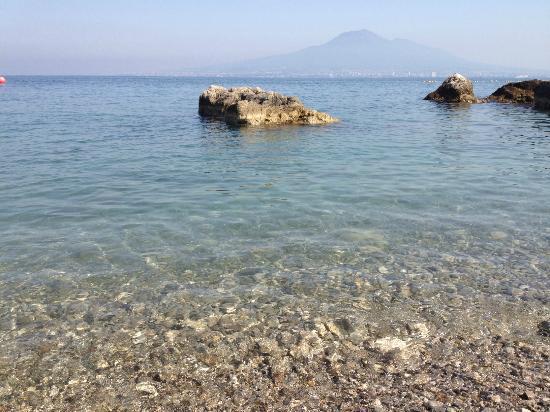 Castellammare Di Stabia, Italy: Stone !!! 5 star