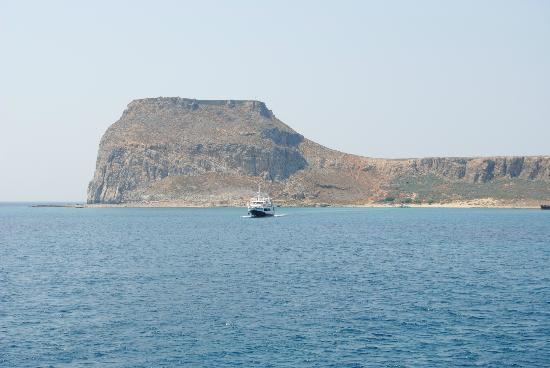 Balos Lagoon: el castillo visto desde el mar