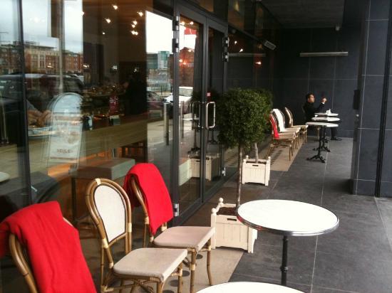 Location Caffe Parigi