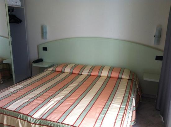 โรงแรมเอลีนา: camera matrimoniale