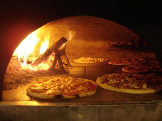 Ristorante Pizzeria Gli Antenati: il forno a legna