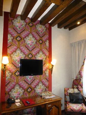 Left Bank Saint Germain : Room 302