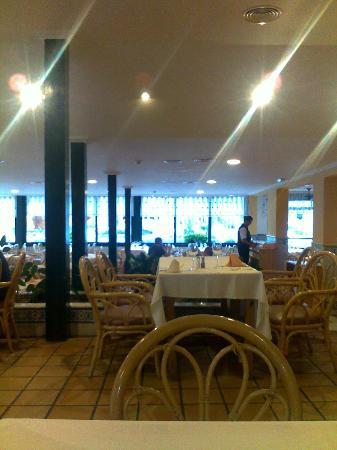 Playacapricho Hotel: Parte del comedor