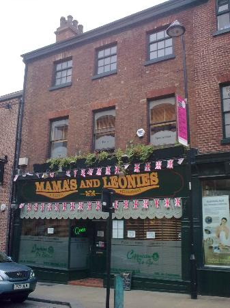 Mammas and Leonies: Mama's & Leonie's, my favourite restaurant.