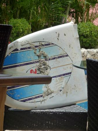 Surf Simply: Ooops, so I MIGHT have had a little accident - only the board was damaged!