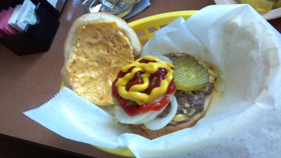 Bud's Cafe & Bar: Cheeseburger at Bud's Bar Sedalia, CO