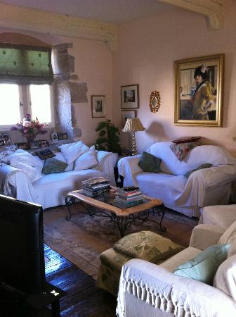 Maison Lavande: Comfy Bright Longe Areas