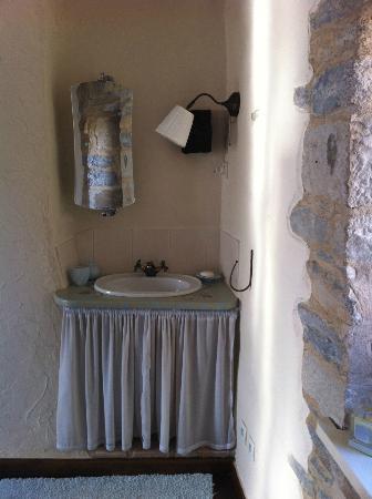 Maison Lavande: Beautiful Wash areas