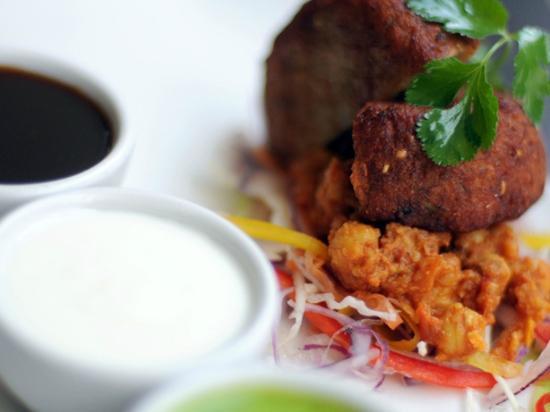 Asha's Indian Resturant and Bar : Food and drinks - Aloo Matar ki Tikki