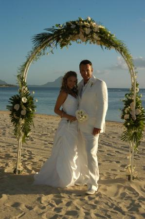 Maradiva Villas Resort and Spa: Wedding on Beach
