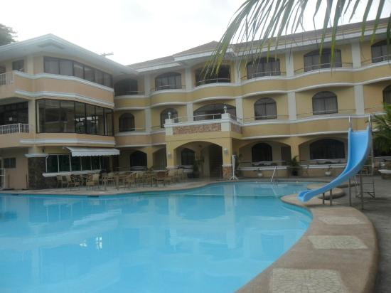 Boracay Holiday Resort: The Hotel and Facilities