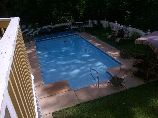 Cherry Valley Manor: Pool Area