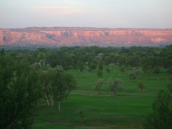 DoubleTree by Hilton Grand Junction: 8th floor view in the morning