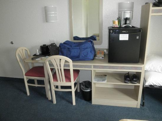 Super 8 Sault Ste. Marie: table, chairs and the only storage in the room other than closet