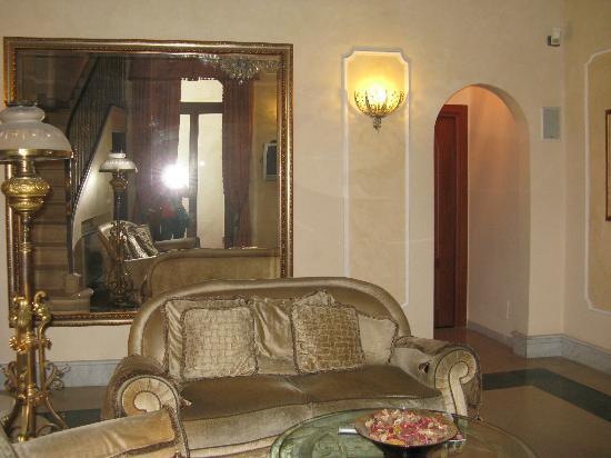 Domus Florentiae Hotel: Hall