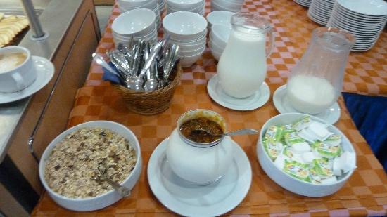 Hunguest Platanus Hotel: Einziger Marmeladentopf am Frühstücksbuffet