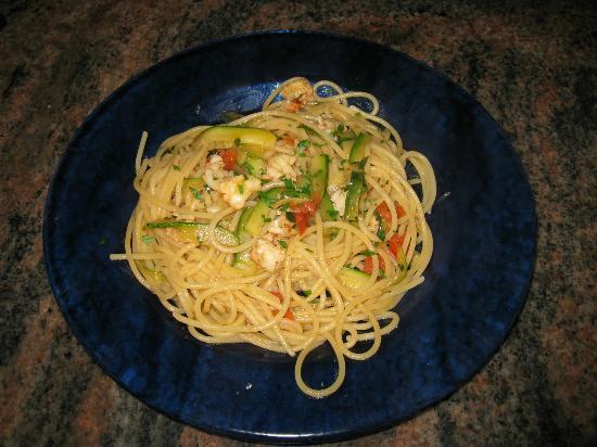 Ristorante Pizzeria 161 : Spaghetti zucchine gamberoni e ciliegini